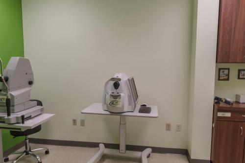 Exam Room Lft (9976D500) res